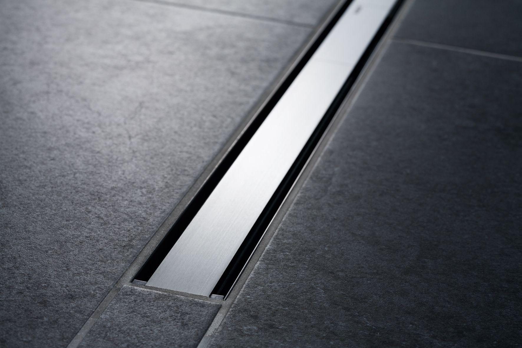 geberit cleanline60 duschrinne 30 90cm metall dunkel metall geb rstet b dermaxx. Black Bedroom Furniture Sets. Home Design Ideas